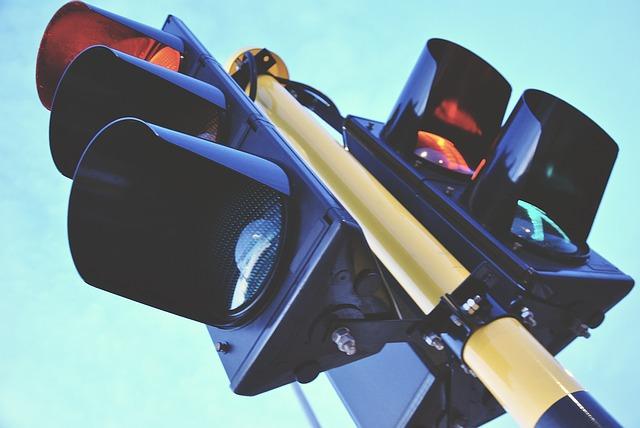 traffic-light-1360645_640.jpg